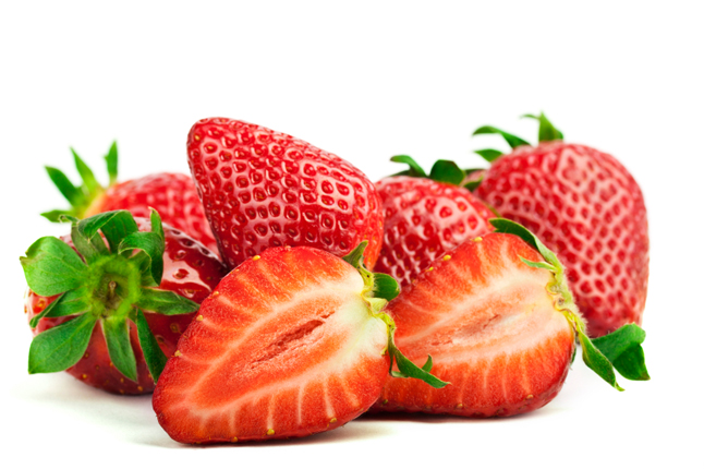 strawberries paste to get rid of yellow teeth